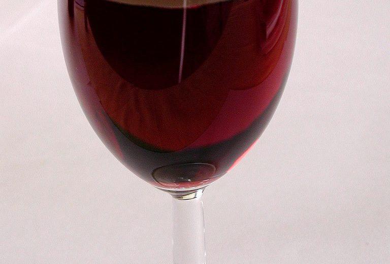 Rotwein (Hausmarke) halbtrocken